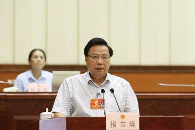 黄翔作关于检查消防法和自治区实施消防法办法实施情况的报告