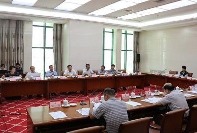 自治区十二届人大常委会第二十五次会议27日上午举行分组会议