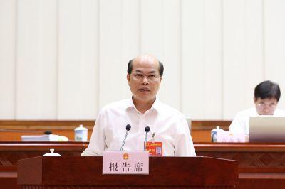 陈伟雄作关于《广西壮族自治区大气污染防治条例(草案)》的说明