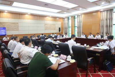 自治区十三届人大常委会第十一次会议9月24日下午召开分组会议