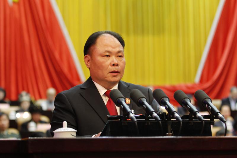 黄克作自治区高级人民法院工作报告
