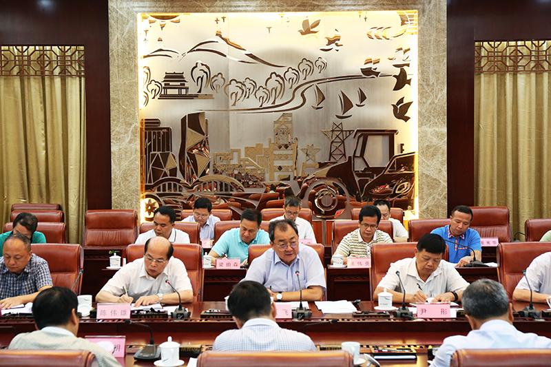 自治区人大常委会召开设区的市立法工作座谈会