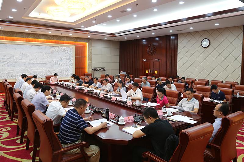 财政部与部分驻桂全国人大代表和政协委员在南宁座谈