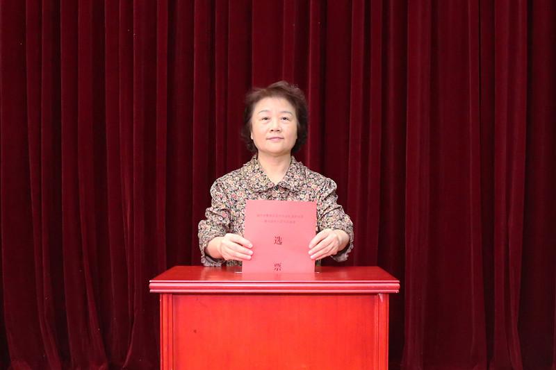 自治区人大机关选民投票选举南宁市青秀区民族宫社区第六届居民委员会