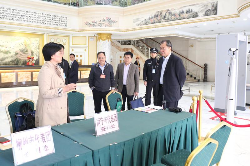 王跃飞检查自治区十三届人大一次会议代表驻地准备情况