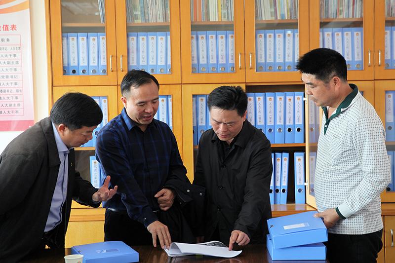 黄锦锋率队调研人大新闻宣传工作与村规民约作用发挥情况