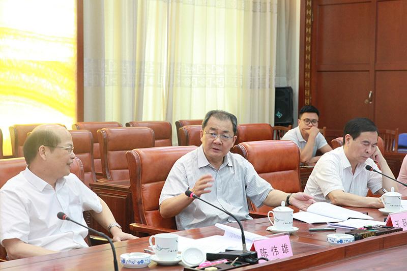 王跃飞组织召开《广西壮族自治区红树林资源保护条例(草案)》 起草工作小组全体会议