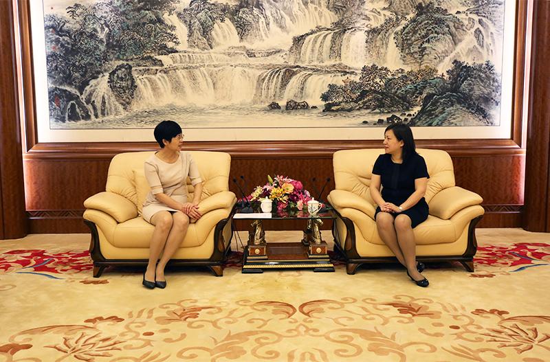 """财政部服务住桂全国""""两会""""代表委员座谈会举行"""