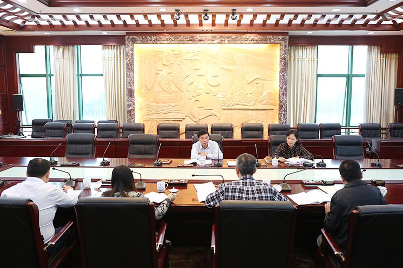 自治区人大内司委党支部开展2018年第五个主题党日活动