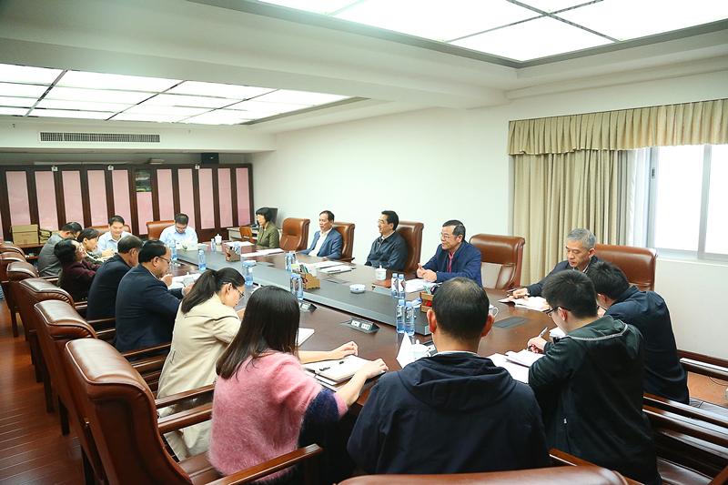张晓钦参加自治区人大常委会选联工委党支部主题党日活动