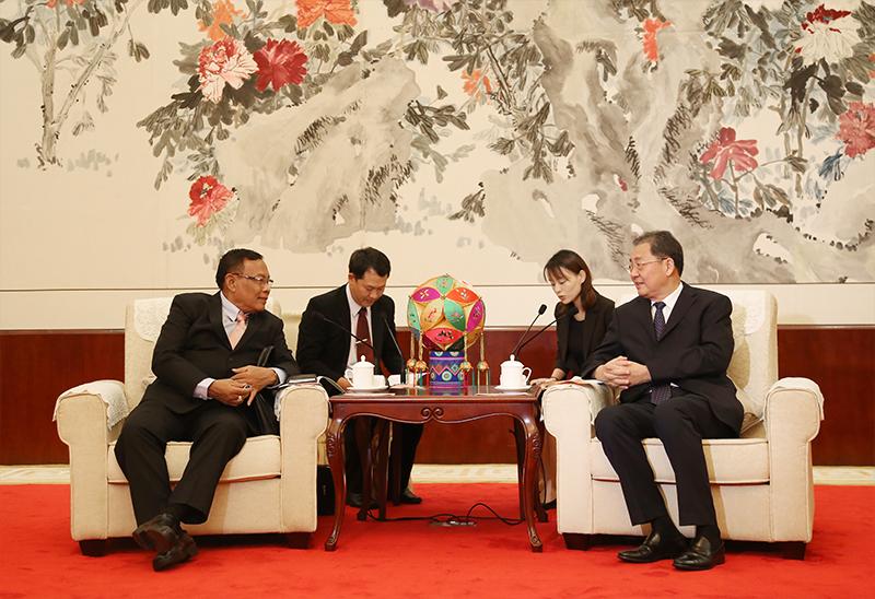 王跃飞会见缅甸曼德勒省议会代表团