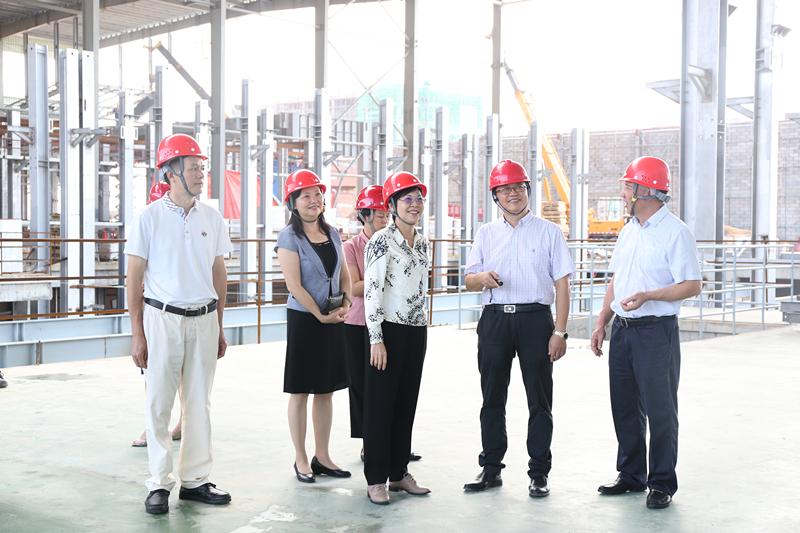 杨静华赴北海走访联系服务的非公有制企业和非公有制经济代表人士