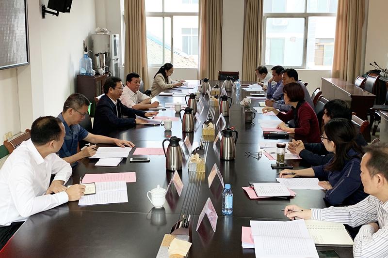 卢献匾率队赴自治区党委老干部局调研养老服务工作