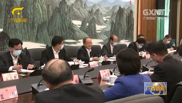 【视频】鹿心社 蓝天立分别参加代表团审议