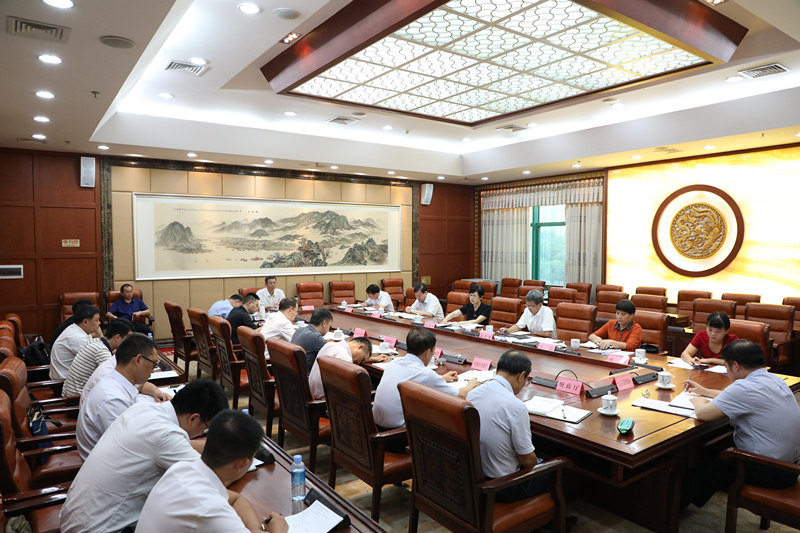 杨静华出席我区红色旅游发展情况专题调研座谈会